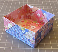 Interlocking Box Made From Squares