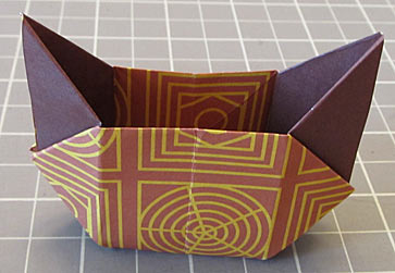 Cat-Head Box With Triangular Handles